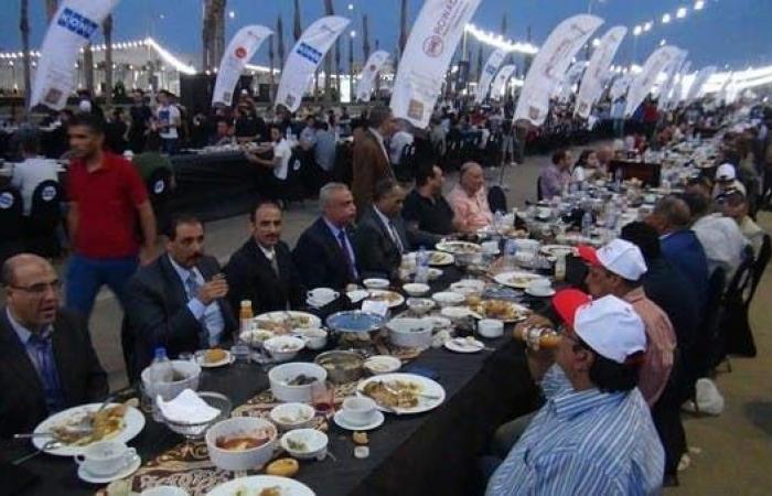 مصر | بالصور .. أكبر وأطول مائدة إفطار مصرية