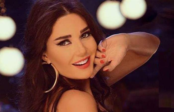 عاتبت المنتج على عدم ذكر اسمها.. هل انكسرت الجرّة بين سيرين عبد النور وشركة الصباح؟