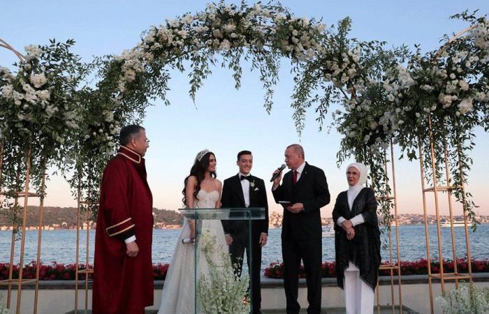 بالفيديو والصور: أوزيل يتزوج من ملكة جمال تركيا.. وأردوغان الشاهد
