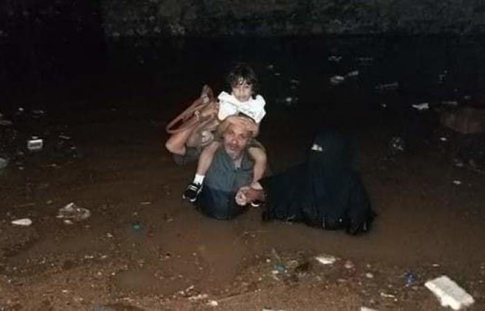 اليمن | عدن.. منخفض جوي يتسبب بحالات وفاة وغرق للشوارع والأحياء