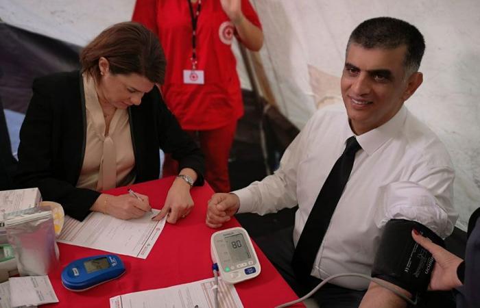 بالصور: الحسن وعثمان يفتتحان حملة التبرّع بالدم