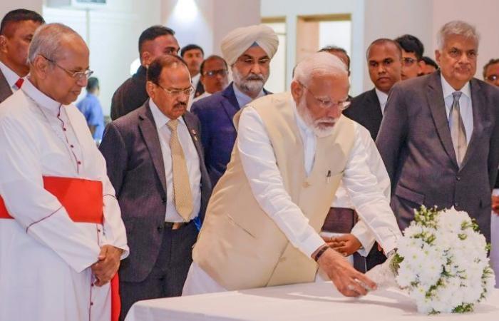 رئيس الوزراء الهندي يزور كنيسة تعرضت لاعتداء في سريلانكا