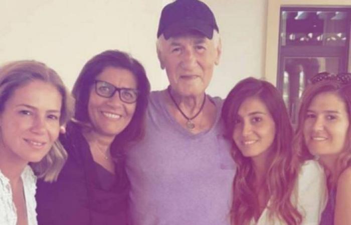 جديد الحالة الصحية للممثل عزت أبو عوف.. هكذا بدا المرض على وجهه (صورة)