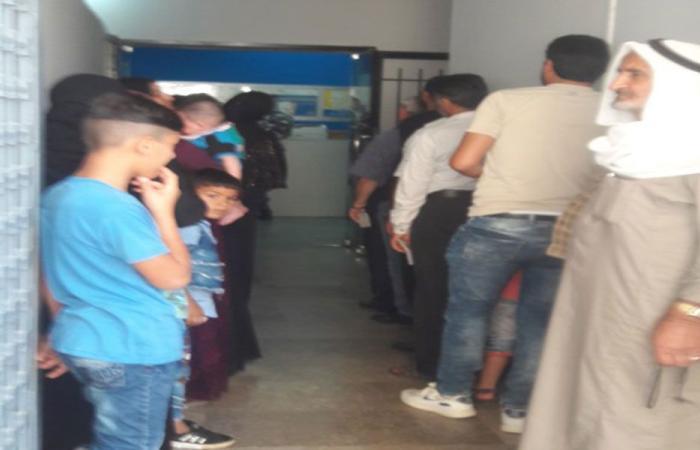 ازدحام كثيف للنازحين السوريين في سرايا حلبا