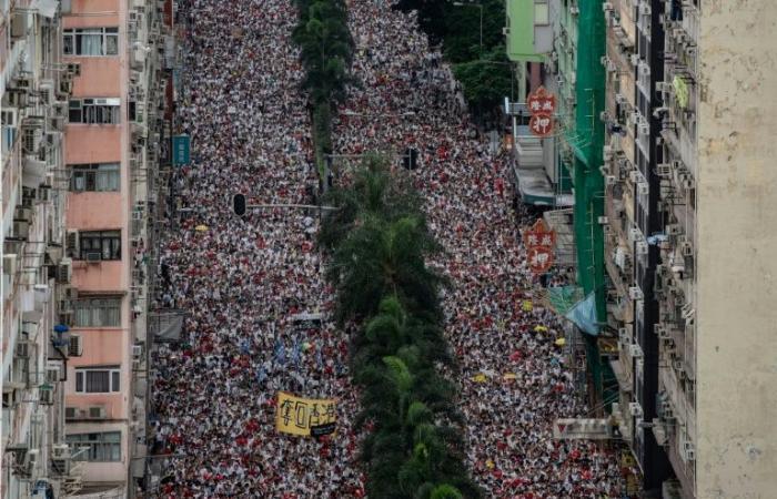 واشنطن قلقة إزاء مشروع قانون في هونغ كونغ يجبز تسليم المطلوبين لبكين
