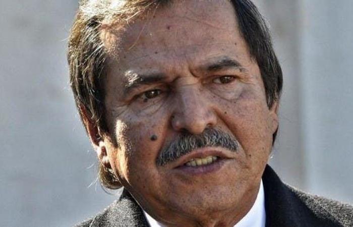 """الجزائر..استقالة دون ضجيج للشقيق """"الشبيه"""" لبوتفليقة"""