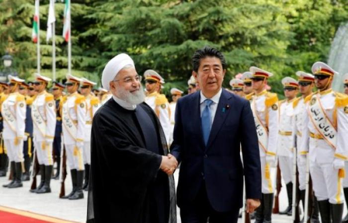 """طهران تطلب وساطة طوكيو لدى """"الشيطان الأكبر"""""""