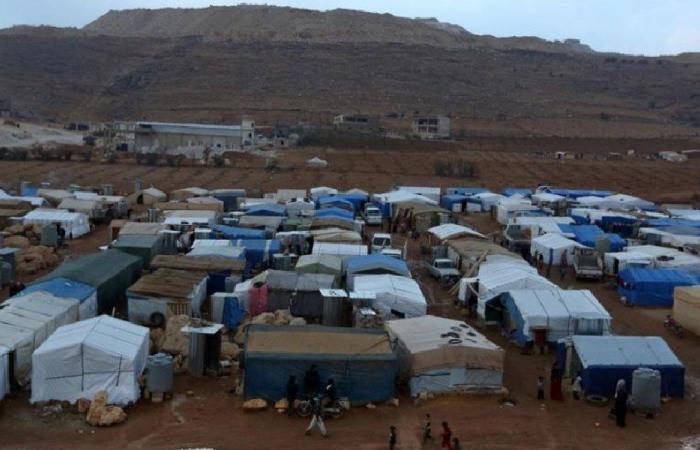 رئيس بلدية عرسال: آلاف السوريين يبيتون في العراء