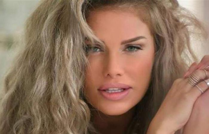 نيكول سابا قبل 22 عاماً.. هكذا أطلّت في مسابقة ملكة جمال لبنان (فيديو)