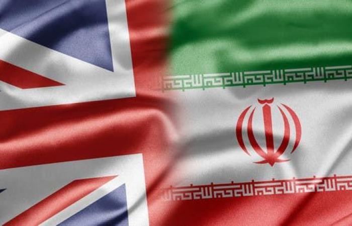 إيران | إيران تستدعي السفير البريطاني في طهران