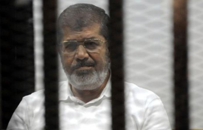 مصر | الطب الشرعي ينتهي من فحص جثمان مرسي والنيابة تأمر بدفنه