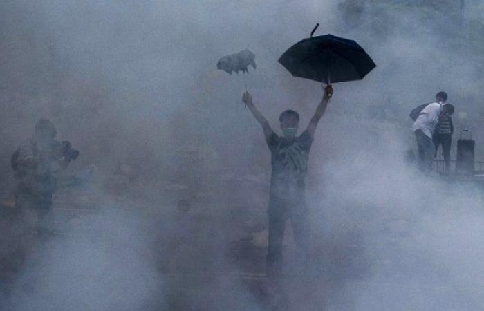 رئيسة حكومة هونغ كونغ تعتذر عن الخلافات بسبب قانون تسليم المطلوبين