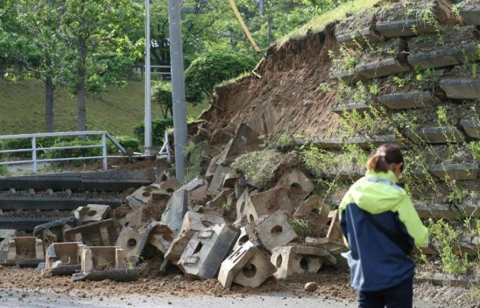 26 جريحًا إثر زلزال قوي وتسونامي في اليابان