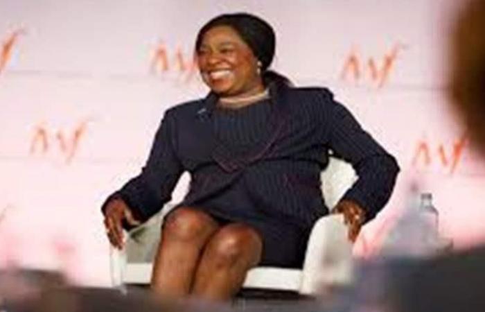 امرأة تشرف على عملية إصلاح الاتحاد الأفريقي لكرة القدم