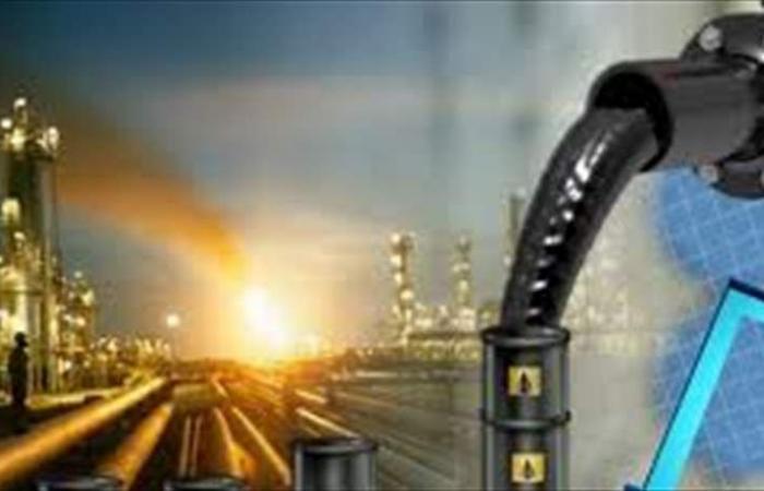 النفط ينخفض رغم العقوبات الأميركية على إيران