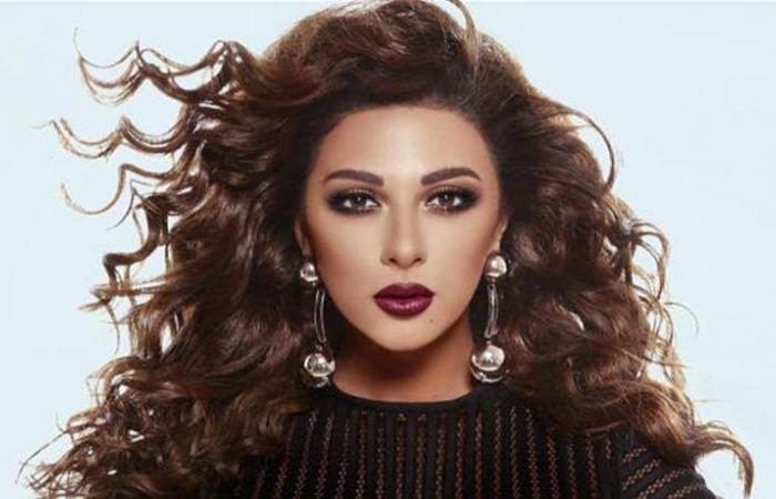 فنان لبناني يشن هجوماً على ميريام فارس.. 'شاكيرا الصينية'!