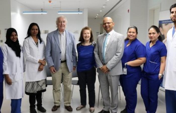 الخليج | مقيمة بريطانية في الـ75 تخضع لجراحة زرع قرنية ناجحة في الإمارات