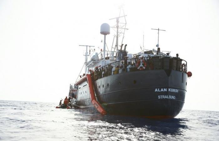 """مالطا تمنع سفينة """"آلان كردي"""" من دخول مياهها الإقليمية"""
