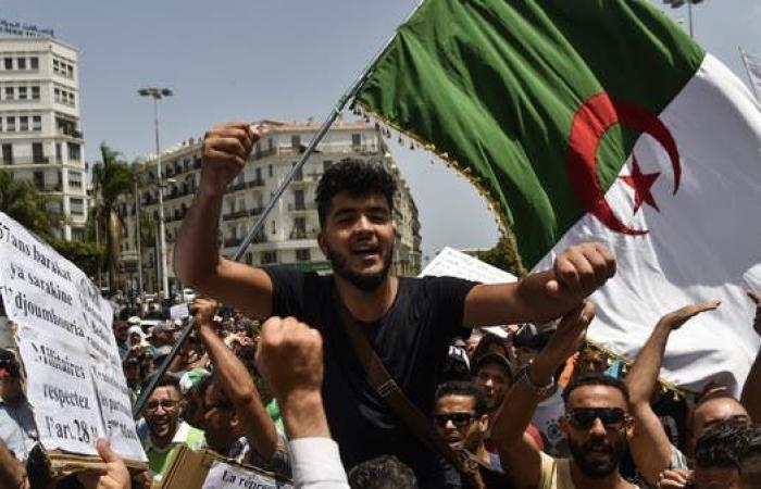تظاهرة طلابية في الجزائر ليوم الثلاثاء الـ20 على التوالي