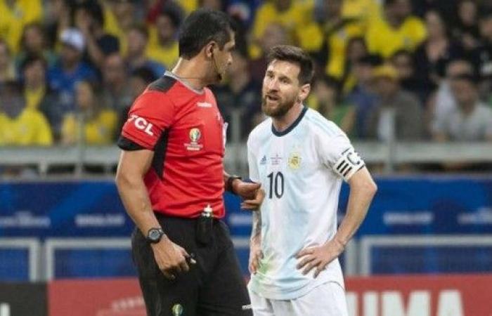 كيف علّق حكم مباراة البرازيل والأرجنتين على الإتهامات التي طالته!