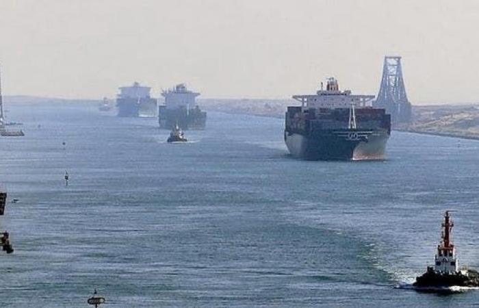 مصر | مصر تكشف حقيقة توقيف سفينة إيرانية في قناة السويس