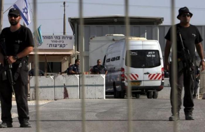 فلسطين | أسرى فلسطين: 8 أسرى يواصلون معركة الأمعاء الخاوية