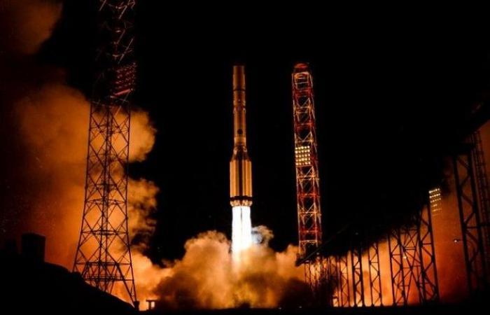 روسيا تطلق أربعة أقمار صناعية عسكرية