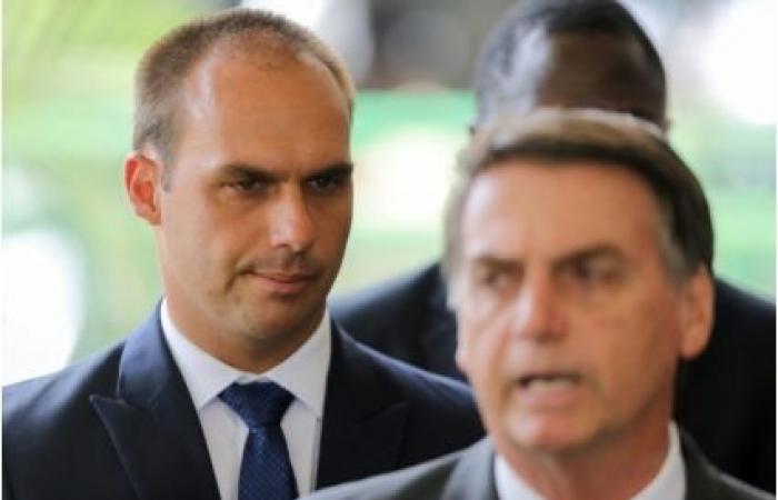 بولسونارو يعتزم تسمية نجله سفيرا للبرازيل بالولايات المتحدة