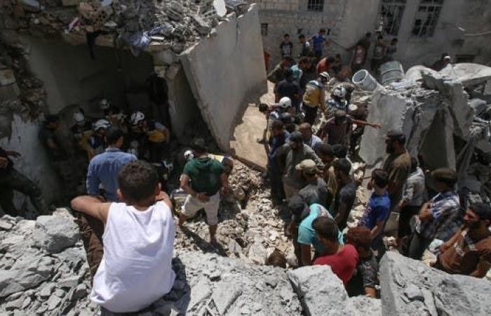 سوريا | مقتل 10 مدنيين في غارات لقوات النظام على شمال غرب سوريا