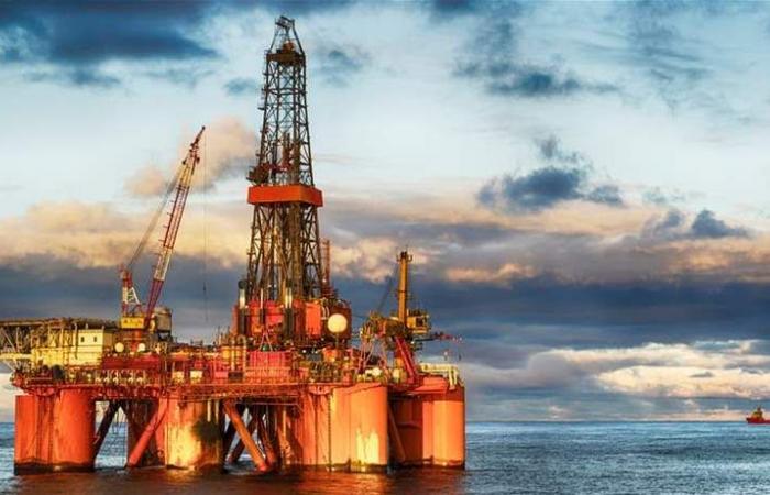 وكالة الطاقة الدولية تتوقع فائضا بإمدادات سوق النفط في 2019 بفعل إنتاج أميركا