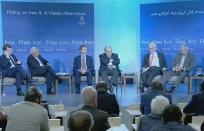شخصيات دولية: الحل لتهديد نووي إيران بتغيير نظامها