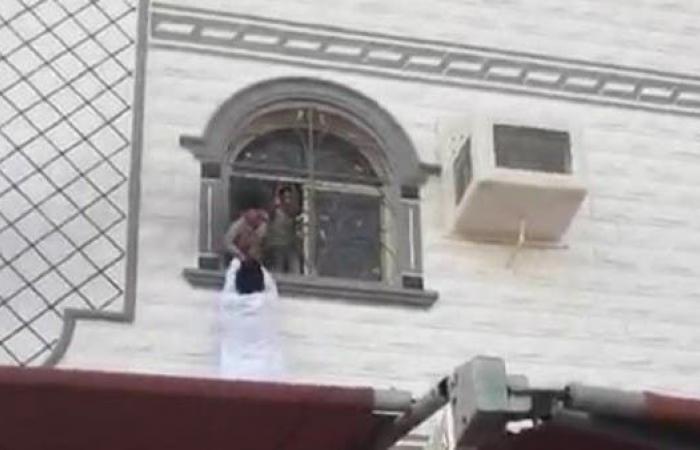الخليح | مشهد بطولي.. إنقاذ أطفال من النيران في مكة