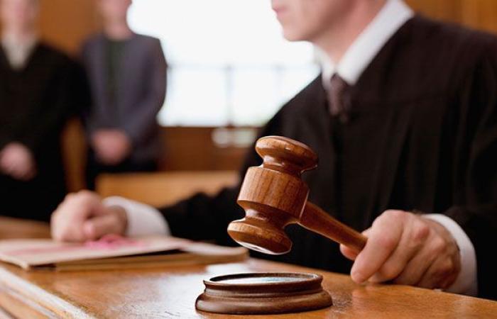 «حرب سياسية» بين قضاة لبنان حول ملفات الفساد