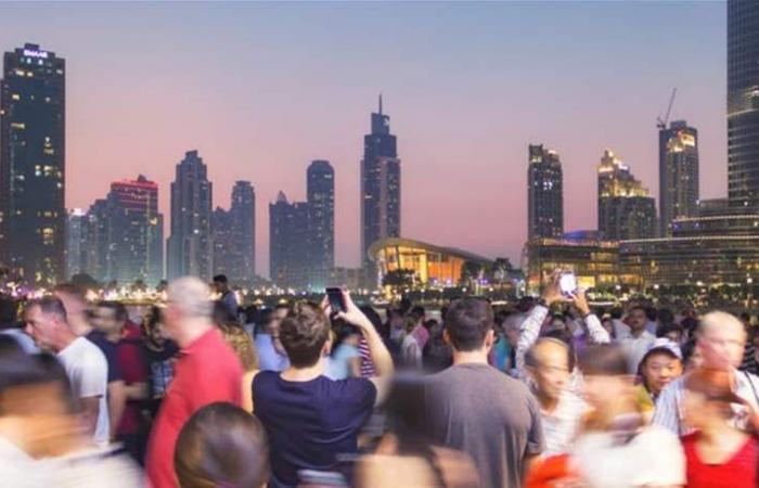 الإمارات تعفي مرافقي السياح من التأشيرات بدءاً من اليوم