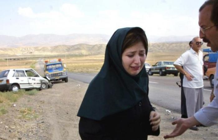 مقتل 13 شخصاً في سقوط حافلة ركاب في واد في إيران