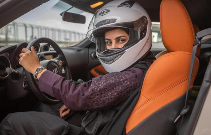 """الخليح   سعودية """"صنعت سيارة الشمس"""" وتخوض بها تحدي عبور أستراليا"""