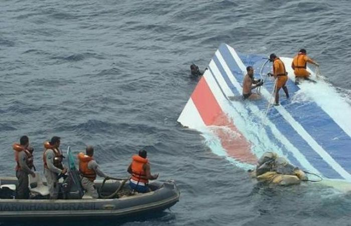 """نيابة باريس تطلب محاكمة """"اير فرانس"""" في قضية تحطم طائرة في ريو"""