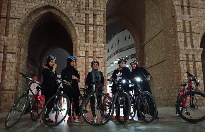 الخليح   فريق من 400 سيدة يقدن الدراجات الهوائية في جدة