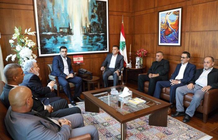 "إبراهيم تابع مع وفد فلسطيني انعكاسات قرارات ""العمل"""