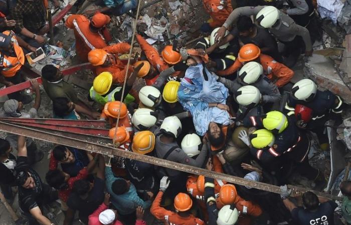 مصرع 13 شخصًا جراء انهيار مبنى بسبب الأمطار الموسمية في بومباي