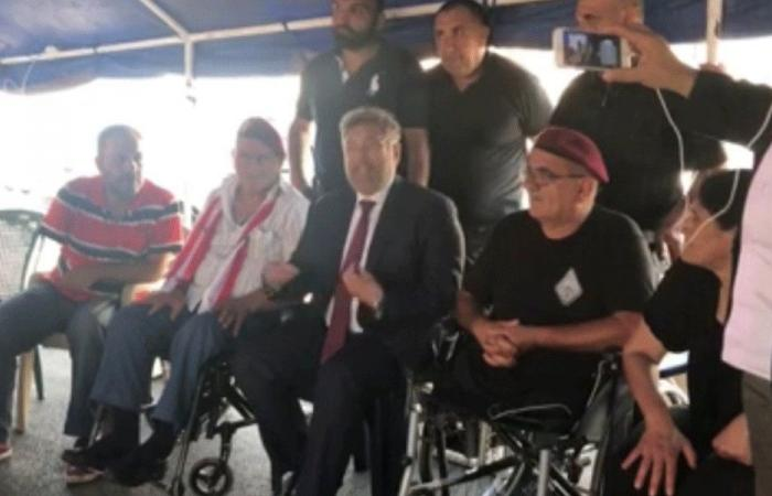 إفرام من خيمة العسكريين المتقاعدين: المس بحقوقكم خط أحمر