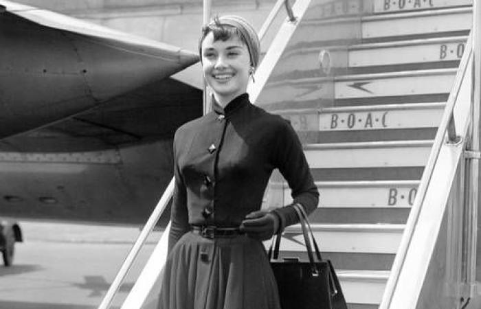 من برجيت باردو إلى أودري هيبورن.. ماذا ارتدت أيقونات هوليوود للمطارات؟