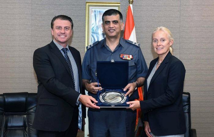 عثمان التقى المدير الإقليمي للوكالة البريطانية لمكافحة الجريمة