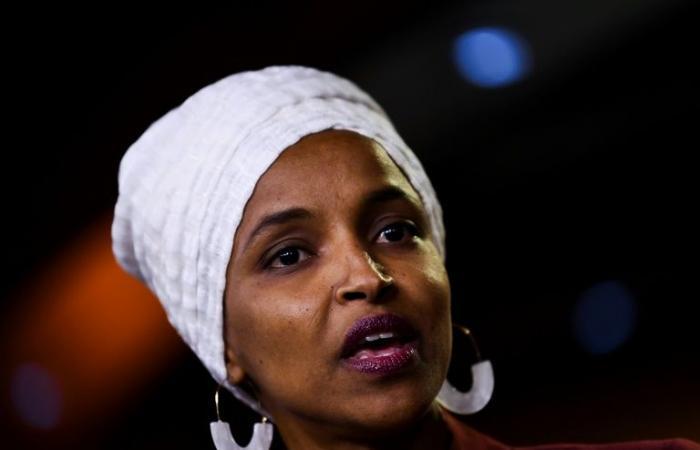 الهان عمر عضو الكونغرس في عين العاصفة السياسية