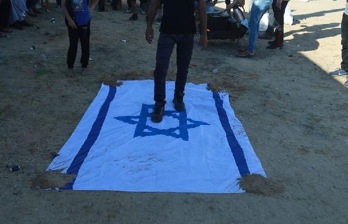 فلسطين | مطالبة باغلاق جميع الممثليات الإسرائيلية في العالم