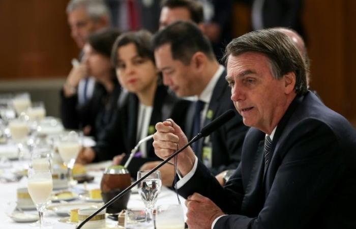 الرئيس البرازيلي يصر على مواقفه أمام وسائل الإعلام الأجنبية