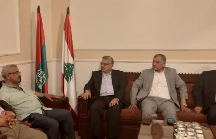 فلسطين | سعد يؤكد لوفد المؤتمر الشعبي رفضه معاملة فلسطينيي لبنان معاملة الأجنبي