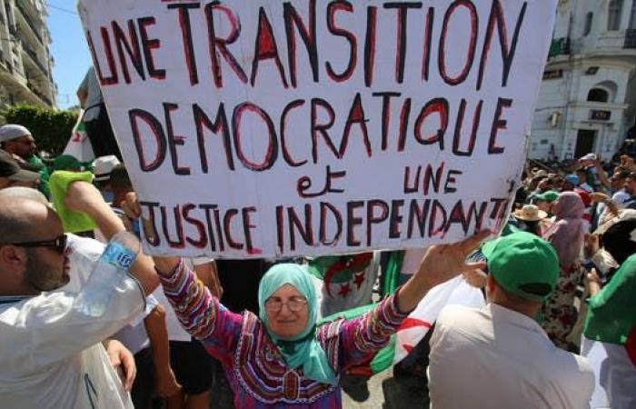 أحزاب جزائرية تضع شروطاً للمشاركة في الحوار السياسي