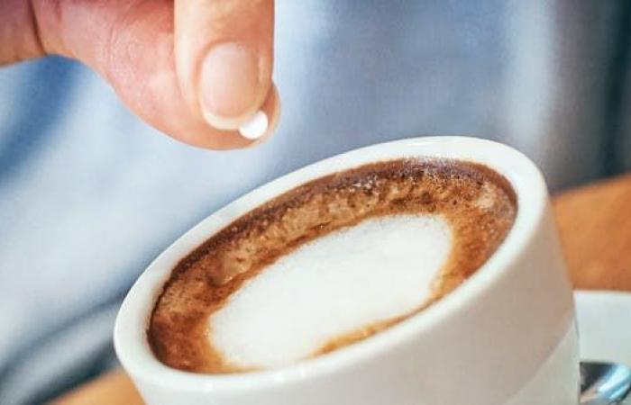 دراسة بريطانية تحذر من أضرار السكر الصناعي