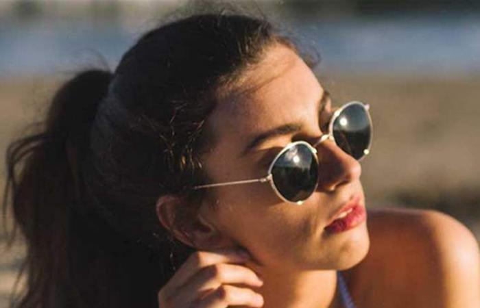 8 عادات بارزة تسبب بظهور التجاعيد حول الفم